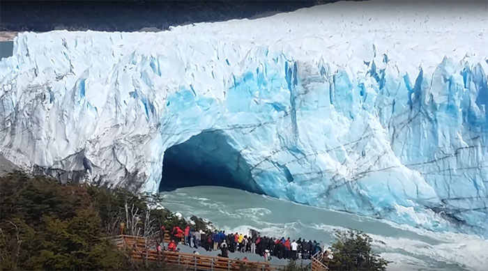 Perito-Moreno-ice-bridge-2017