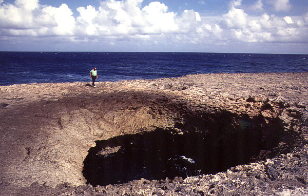 natural bridge in Curacao