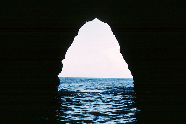 Sea Tunnel, Na Pali Coast
